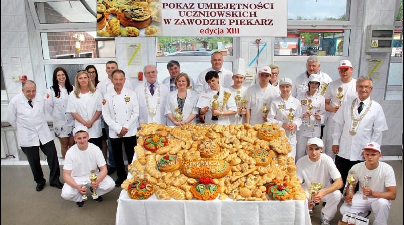 POKAZ UMIEJĘTNOŚCI UCZNIOWSKICH W ZAWODZIE PIEKARZ – Trzcianka 14.05.2016 r.
